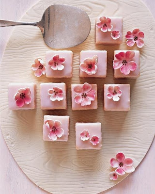 Pretty Little Petit Fours
